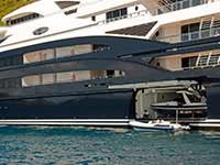 Many-storied megayacht