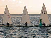 Dinghies making the turn