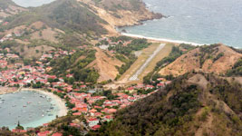 Les Saintes airstrip from above